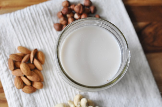 almond milk plain